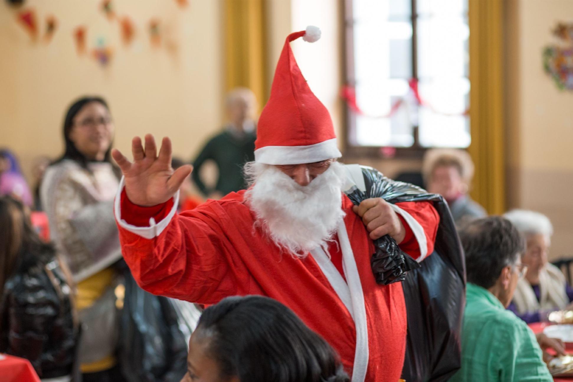 Come Si Dice Buon Natale In Rumeno.Per Chi Ha Poco E Niente Ma Ha Cosi Tanto Da Offrire 360 Il