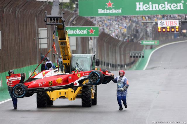 13.11.2016 - Race, Crash, Kimi Raikkonen (FIN) Scuderia Ferrari SF16-H